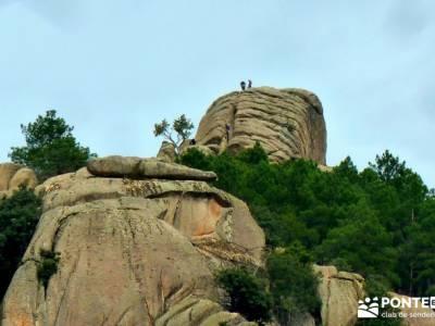 La Pedriza - Collado del Cabrón - Charca Verde - escalando Cancho de los Muertos_ escaladores madri